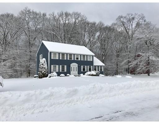 Частный односемейный дом для того Продажа на 11 Kathryn Drive 11 Kathryn Drive Ashland, Массачусетс 01721 Соединенные Штаты