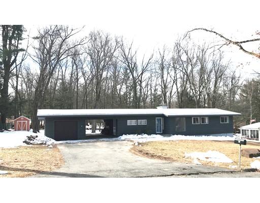 Maison unifamiliale pour l Vente à 66 Fernwood Drive 66 Fernwood Drive East Longmeadow, Massachusetts 01028 États-Unis