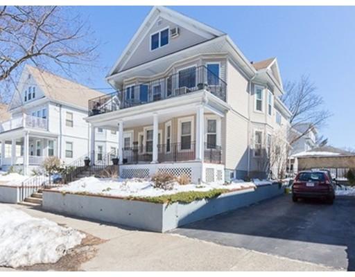 Casa Multifamiliar por un Venta en 21 Everett Street 21 Everett Street Arlington, Massachusetts 02474 Estados Unidos