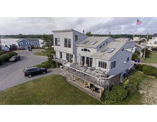 Casa Unifamiliar por un Venta en 23 Shore Drive 23 Shore Drive Mattapoisett, Massachusetts 02739 Estados Unidos