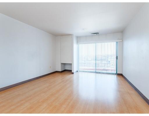 Picture 3 of 100 W Squantum St Unit 303 Quincy Ma 1 Bedroom Condo