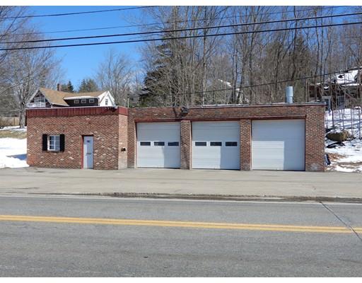 Commercial pour l Vente à 2 S Maple Street 2 S Maple Street Brookfield, Massachusetts 01506 États-Unis