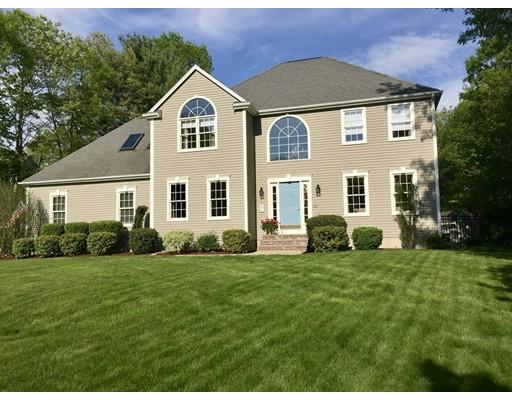 Maison unifamiliale pour l Vente à 23 Old North Trail 23 Old North Trail Mansfield, Massachusetts 02048 États-Unis