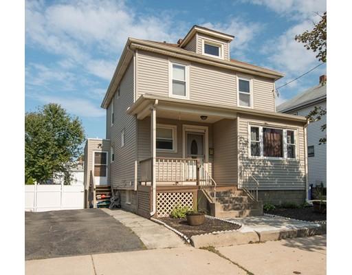 Maison unifamiliale pour l Vente à 25 Freeman Avenue 25 Freeman Avenue Everett, Massachusetts 02149 États-Unis