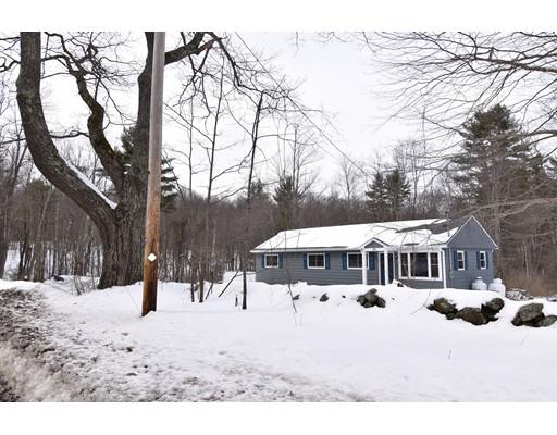 واحد منزل الأسرة للـ Sale في 49 East Street 49 East Street Petersham, Massachusetts 01366 United States