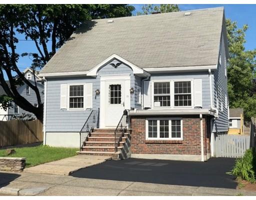 多户住宅 为 销售 在 15 Linden Street 15 Linden Street 温思罗普, 马萨诸塞州 02152 美国