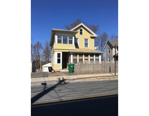 Частный односемейный дом для того Аренда на 193 East Main Street 193 East Main Street Chicopee, Массачусетс 01020 Соединенные Штаты
