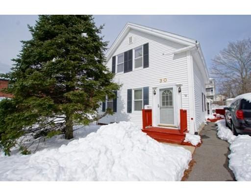 Casa Unifamiliar por un Venta en 30 Cedar Street 30 Cedar Street Amesbury, Massachusetts 01913 Estados Unidos
