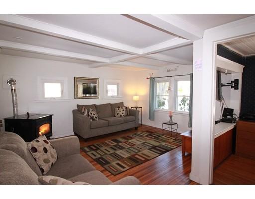 Enfamiljshus för Försäljning vid 22 Evergreen 22 Evergreen Natick, Massachusetts 01760 Usa
