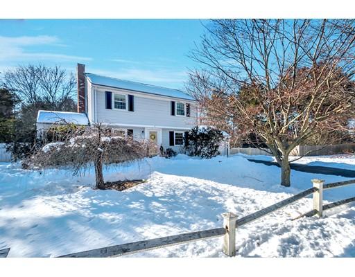 Nhà ở một gia đình vì Bán tại 8 Bald Rock Road 8 Bald Rock Road Wayland, Massachusetts 01778 Hoa Kỳ