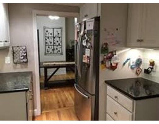独户住宅 为 出租 在 1284 High Street 1284 High Street 西木区, 马萨诸塞州 02090 美国