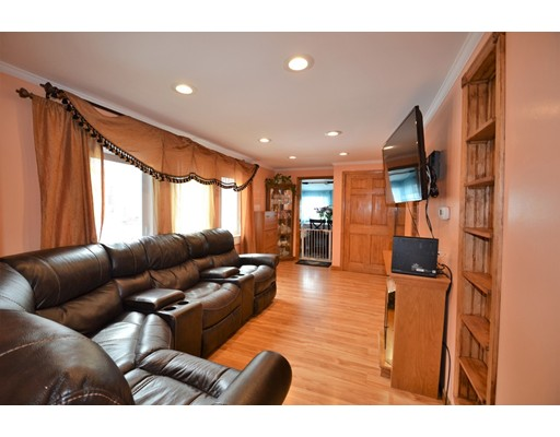 Μονοκατοικία για την Πώληση στο 100 Connolly Road 100 Connolly Road Avon, Μασαχουσετη 02322 Ηνωμενεσ Πολιτειεσ