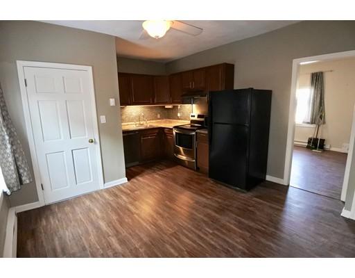 Частный односемейный дом для того Аренда на 290 Ferry Street 290 Ferry Street Everett, Массачусетс 02148 Соединенные Штаты