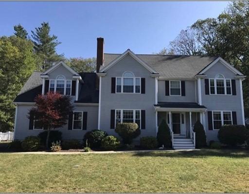Maison unifamiliale pour l Vente à 81 Highridge Road 81 Highridge Road Bellingham, Massachusetts 02019 États-Unis