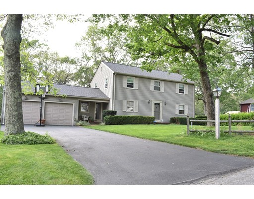 9  Gore Gable Dr,  Webster, MA