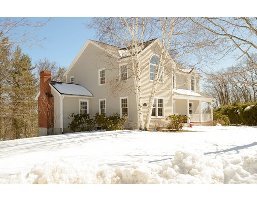 Частный односемейный дом для того Продажа на 10 Riding Club Road 10 Riding Club Road Danvers, Массачусетс 01923 Соединенные Штаты