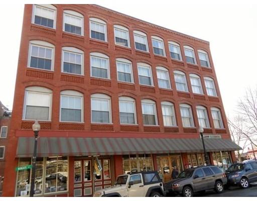 Maison unifamiliale pour l à louer à 80 Wingate Street 80 Wingate Street Haverhill, Massachusetts 01832 États-Unis