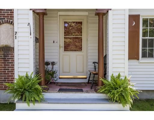واحد منزل الأسرة للـ Sale في 71 Dexter Street 71 Dexter Street Attleboro, Massachusetts 02703 United States