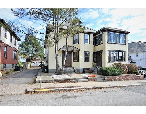 Condominio por un Venta en 39 Homestead Road 39 Homestead Road Woonsocket, Rhode Island 02895 Estados Unidos