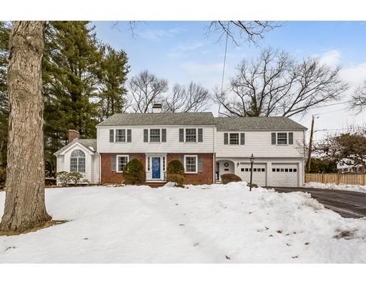 Maison unifamiliale pour l Vente à 109 Fisher Street 109 Fisher Street Norwood, Massachusetts 02062 États-Unis