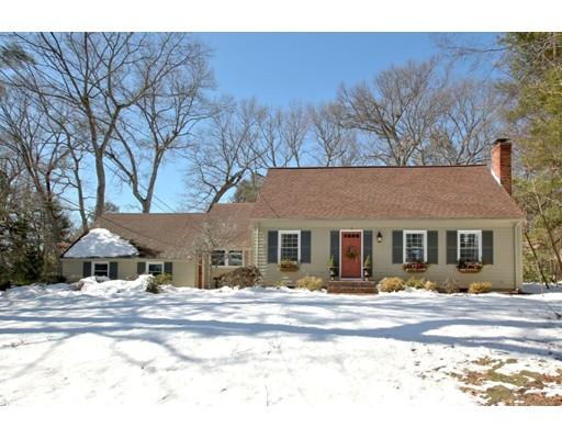 Nhà ở một gia đình vì Bán tại 21 Morrill Drive 21 Morrill Drive Wayland, Massachusetts 01778 Hoa Kỳ