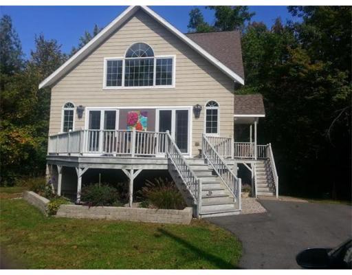 Single Family Home for Rent at 390 Potwine Lane 390 Potwine Lane Amherst, Massachusetts 01002 United States
