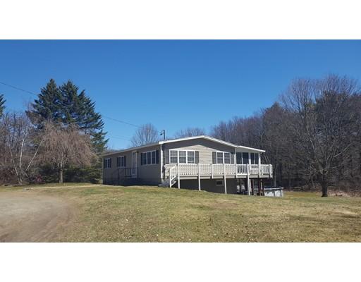 Maison unifamiliale pour l Vente à 82 Old Westboro Road 82 Old Westboro Road Grafton, Massachusetts 01536 États-Unis