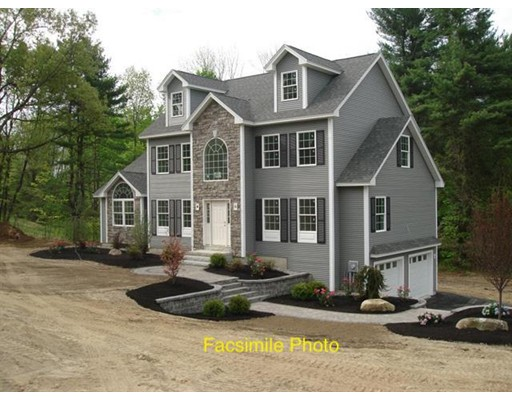 Maison unifamiliale pour l Vente à 40 Waterford Drive 40 Waterford Drive Sandown, New Hampshire 03873 États-Unis