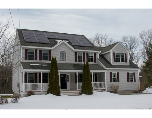 独户住宅 为 销售 在 83 Colburn Road 83 Colburn Road Charlton, 马萨诸塞州 01507 美国