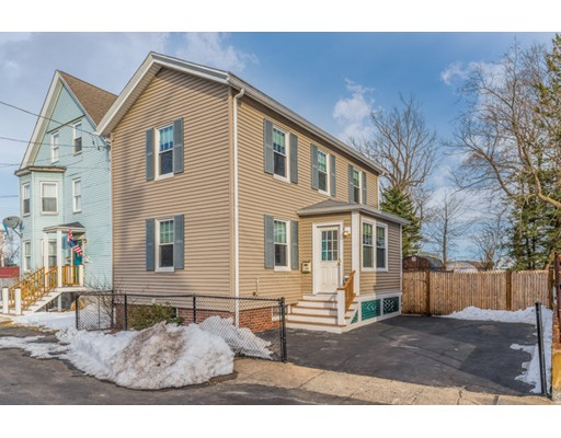 Single Family Home for Sale at 7 E Collins Street 7 E Collins Street Salem, Massachusetts 01970 United States