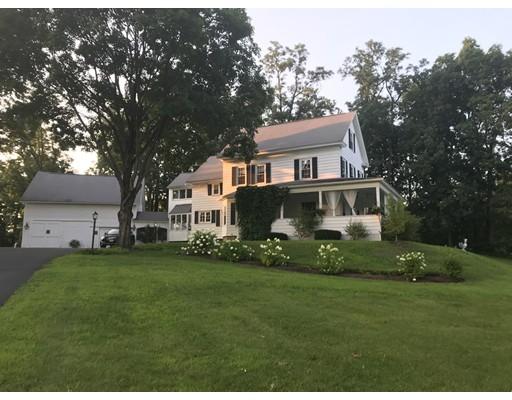 واحد منزل الأسرة للـ Sale في 330 Leyden Road 330 Leyden Road Greenfield, Massachusetts 01301 United States