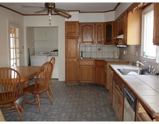 Picture 10 of 14 Churchill Pl  Dedham Ma 3 Bedroom Single Family