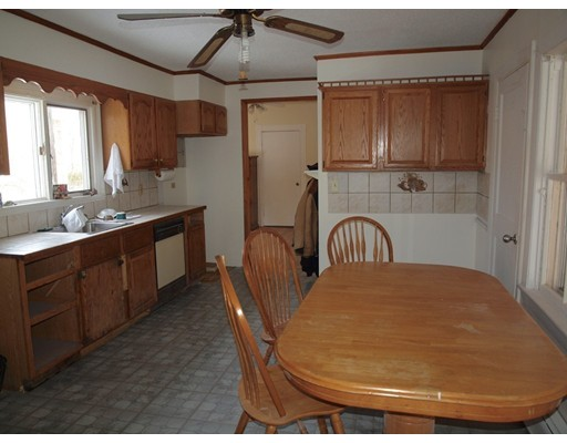 Picture 11 of 14 Churchill Pl  Dedham Ma 3 Bedroom Single Family