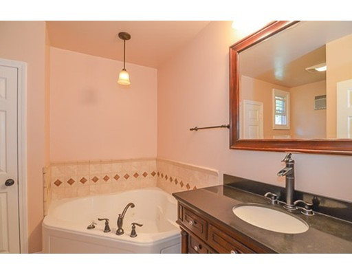 48 Mendon St, Hopedale, MA, 01747