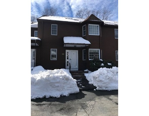 Maison unifamiliale pour l à louer à 401 Sherwood Forest Lane 401 Sherwood Forest Lane Saugus, Massachusetts 01906 États-Unis