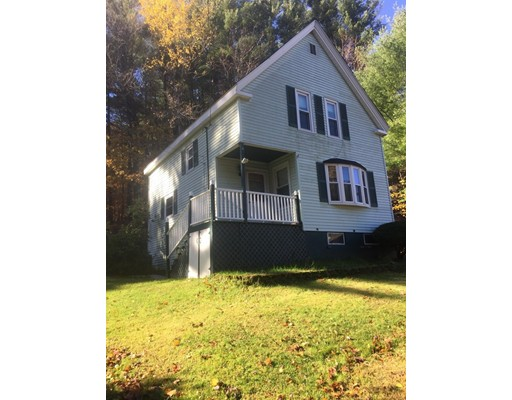 واحد منزل الأسرة للـ Sale في 38 Clinton 38 Clinton Amesbury, Massachusetts 01913 United States