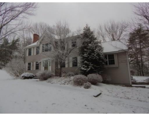 Casa Unifamiliar por un Venta en 143 Dudley Oxford Road 143 Dudley Oxford Road Dudley, Massachusetts 01571 Estados Unidos