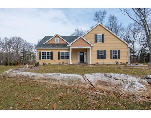 واحد منزل الأسرة للـ Sale في 163 Hanton Road 163 Hanton Road North Smithfield, Rhode Island 02896 United States