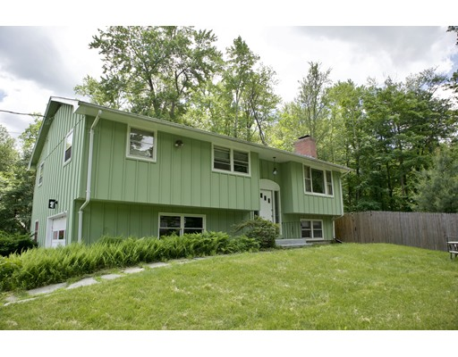 Single Family Home for Sale at 173 Strong Street 173 Strong Street Amherst, Massachusetts 01002 United States