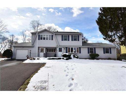Casa Unifamiliar por un Venta en 4 Surrey Lane 4 Surrey Lane Enfield, Connecticut 06082 Estados Unidos
