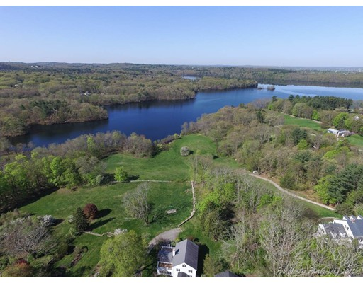 Частный односемейный дом для того Продажа на 1048 Great Pond Road 1048 Great Pond Road North Andover, Массачусетс 01845 Соединенные Штаты