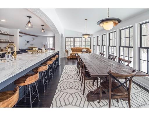 Casa para uma família para Venda às 19 Pelham Road Weston, Massachusetts, 02493 Estados Unidos