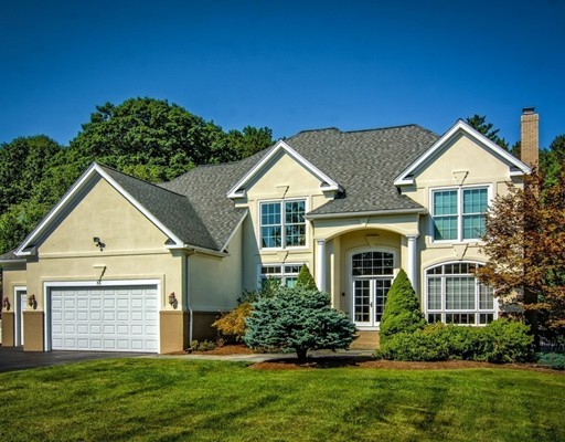 Maison unifamiliale pour l Vente à 36 Pine Hill Road 36 Pine Hill Road Southborough, Massachusetts 01772 États-Unis