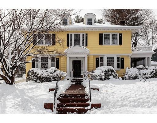 Maison unifamiliale pour l Vente à 79 Hillcrest Road 79 Hillcrest Road Belmont, Massachusetts 02478 États-Unis