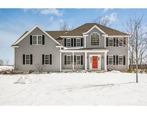 Single Family Home for Sale at 14 Forbes Road 14 Forbes Road Hudson, Massachusetts 01749 United States