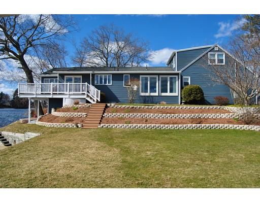 Casa Unifamiliar por un Venta en 110 Lakeside Avenue 110 Lakeside Avenue Webster, Massachusetts 01570 Estados Unidos