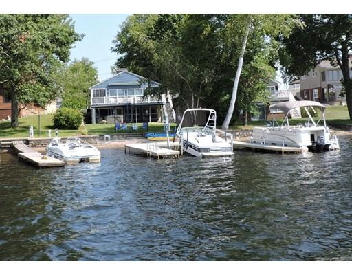 独户住宅 为 销售 在 60 Bates Point Road 60 Bates Point Road Webster, 马萨诸塞州 01570 美国
