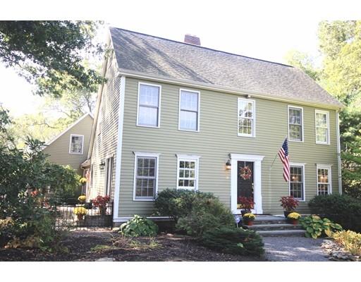 Nhà ở một gia đình vì Bán tại 15 Nancy Court 15 Nancy Court Blackstone, Massachusetts 01504 Hoa Kỳ