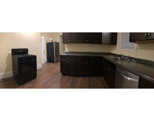 واحد منزل الأسرة للـ Rent في 39 Willard Street 39 Willard Street Chelsea, Massachusetts 02150 United States