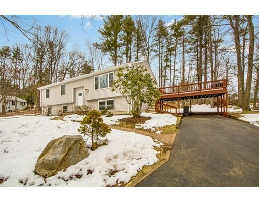 Single Family Home for Sale at 1019 Pleasant Street 1019 Pleasant Street Framingham, Massachusetts 01701 United States